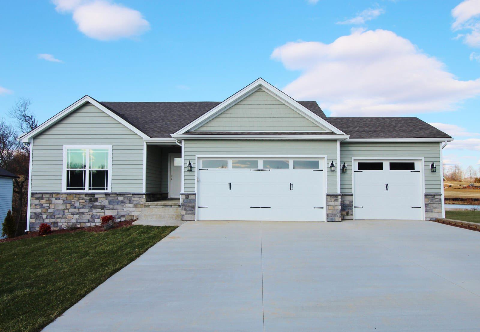 knob hill - Premier Homes